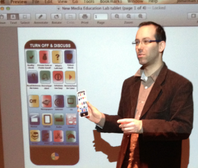 Jonathan Friesem demonstrates the new MEL app for media literacy